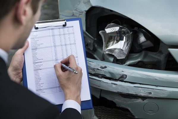 Why should people consider upgrading to comprehensive car insurance?