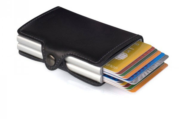 The credit card protector with EIGHT ways for customers