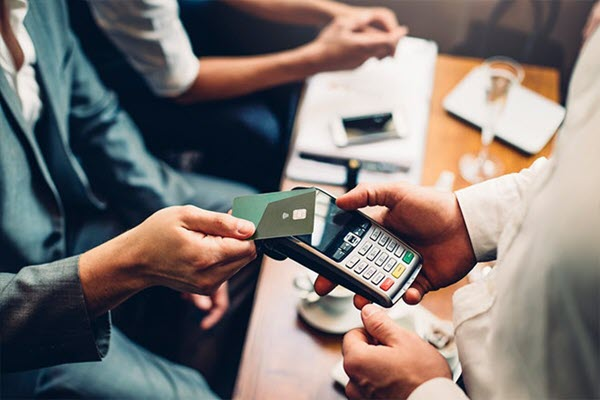 The small business credit cards have low APR and others benefits